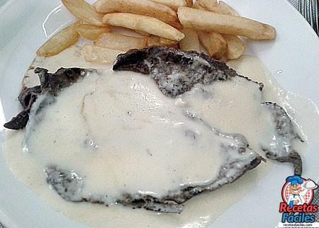 Filete De Ternera Con Salsa De Queso