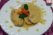 Recetas Fáciles de Filetes de pechuga de pollo con nata y curry