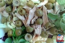 Recetas Fáciles de Ensalada Variada con Pollo y Aceitunas