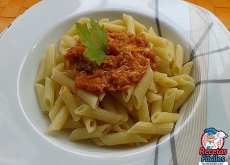 Recetas Fáciles de Macarrones con Salsa de Atún y Cebolleta