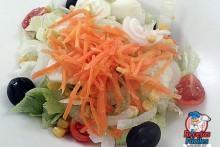 Recetas Fáciles de Ensalada con Zanahorias, Lechugas, Tomates, Cebolla y Aceitunas