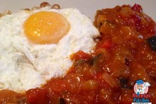 Recetas Fáciles de Pisto Manchego con Huevo Frito