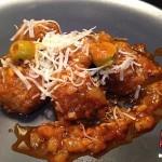Recetas Fáciles de Albóndigas Picantes con Aceitunas y Queso Parmesano