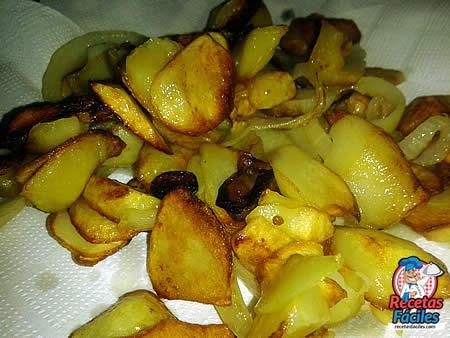 Recetas Fáciles de Filete de Ternera con Patatas Panadera y Ajo