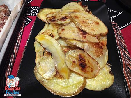 Guarnición de patatas asadas al horno