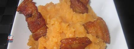 Receta fácil de patatas revolconas con torreznos