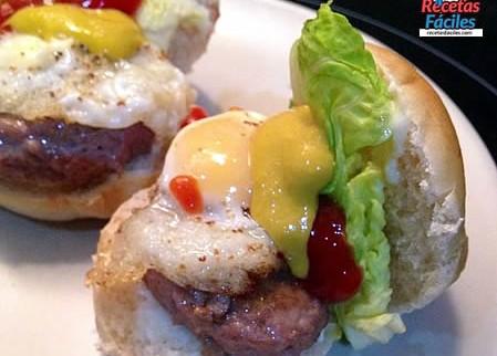 Recetas Fáciles de Hamburguesa de Ternera con Huevo de Codorniz