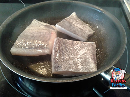 merluza-pimientos-piquillo-caramelizados-7