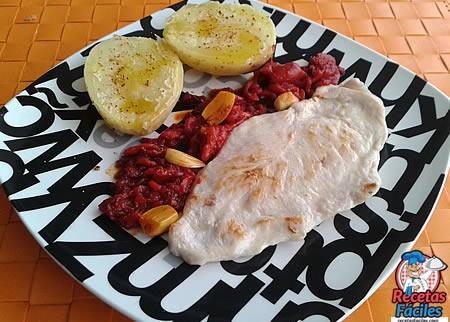 Recetas Fáciles de Pechuga de Pollo con Puré de Pimientos Piquillo Caramelizados