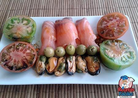 Recetas Fáciles Salmon Ahumado con Mejillones y Tomates