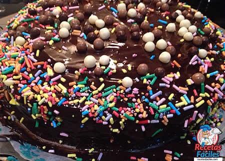 Recetas Fáciles de Tarta de Colores con Chocolate