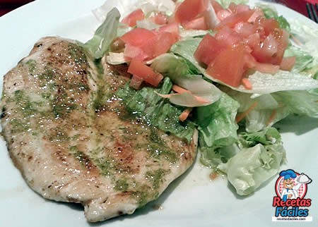 Recetas Fáciles de Filete de Pollo plancha con ajo y perejil