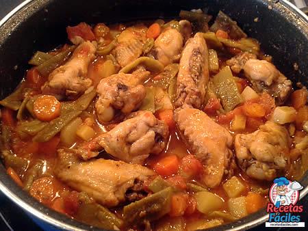 Recetas Fáciles de Alitas de Pollo con Judías Verdes y Verduras