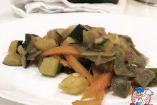 judías verdes salteadas con zanahoria, calabacín y soja