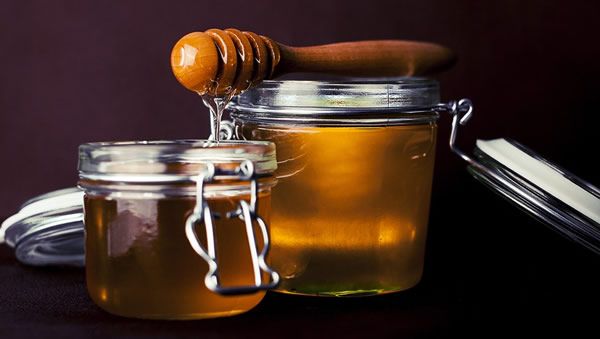 Beneficios de la miel frente al azúcar para conseguir bajar de peso