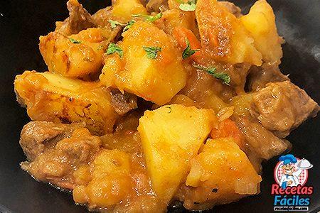 patatas estofadas con carne ricas
